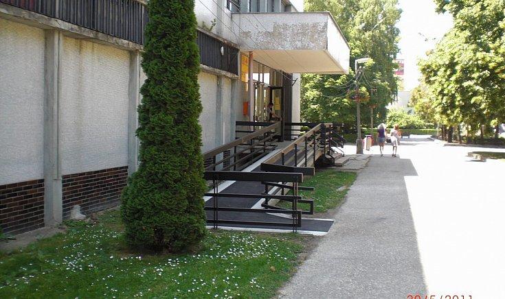 Szlovák posta helyi kirendeltségének akadálymentesítése