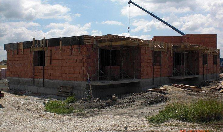 Rózsa utca végében levő lakásegység építése
