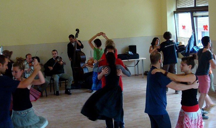 Volt táncoktatás gyermekeknek, felnőtteknek, kezdőknek és haladóknak.