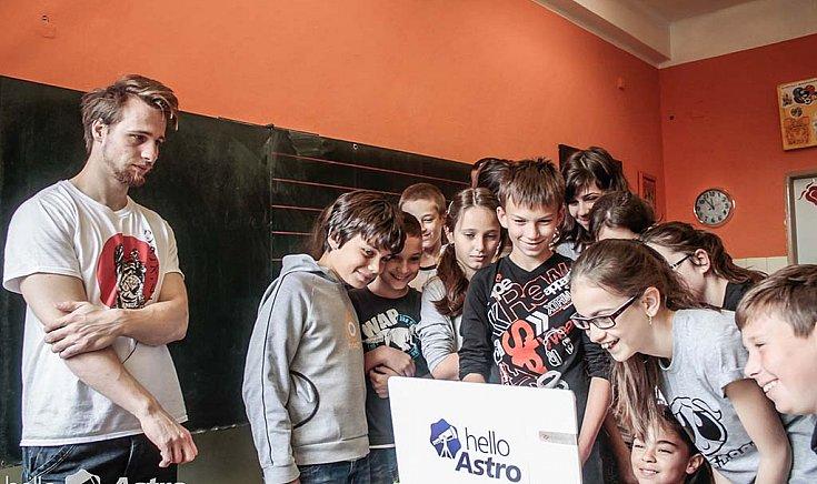 helloAstro: Ifjú csillagászokat keresnek