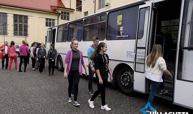 Súlyos diákbuszbaleset történt Gútán