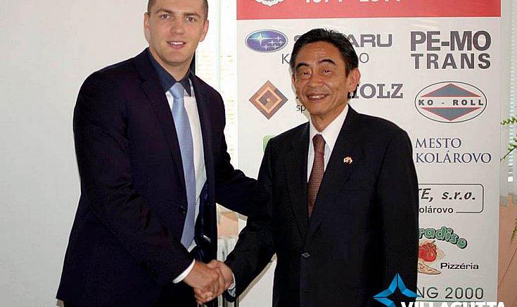 Kárpáty Ernő és Akio Egawa - Japán szlovákiai nagykövete
