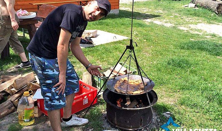 Céges csapatépítés, ahol a főnök volt a szakács.