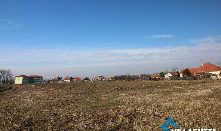 A város déli határánál lévő zónában mintegy negyvenhét hektár arra vár, hogy építsenek rá.