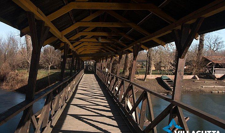 tíz méterenként felújítjuk a hidat,