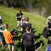 Diákok is csatlakoztak a helloGútások környezetszépítő akciójához