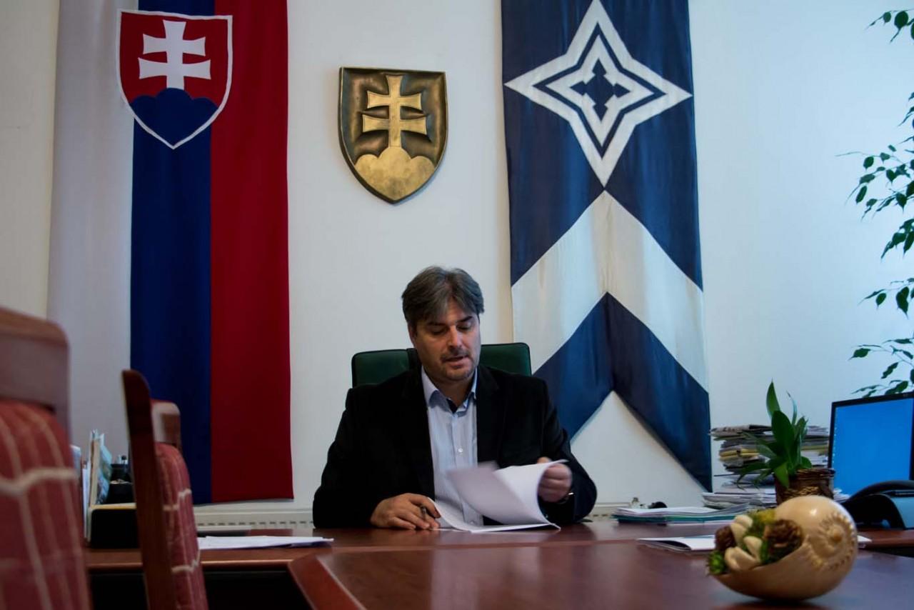 """Interjú Horváth Árpáddal, Gúta polgármesterével: """"Épül a város!"""" I. rész"""