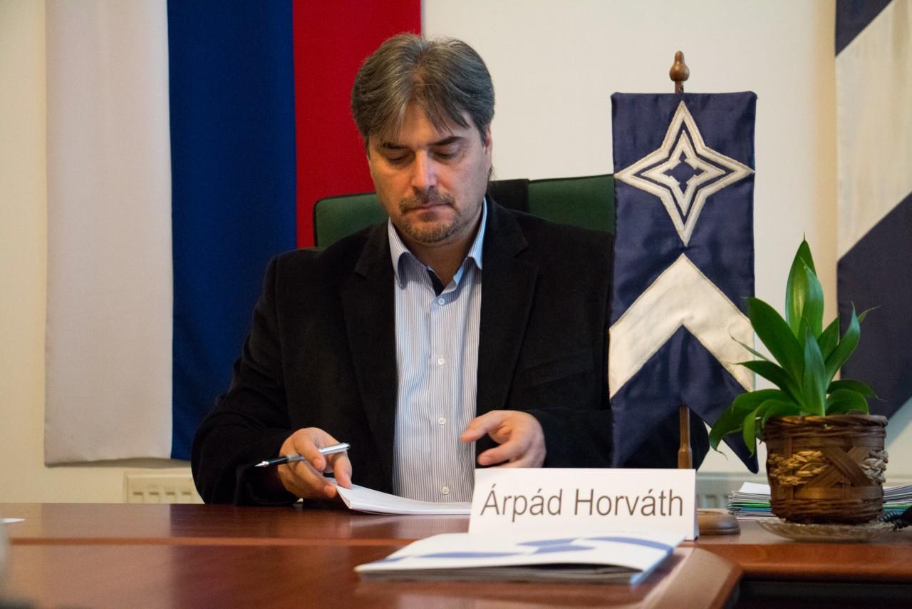 """Interjú Horváth Árpáddal, Gúta polgármesterével: """"Épül a város!"""" II. rész"""